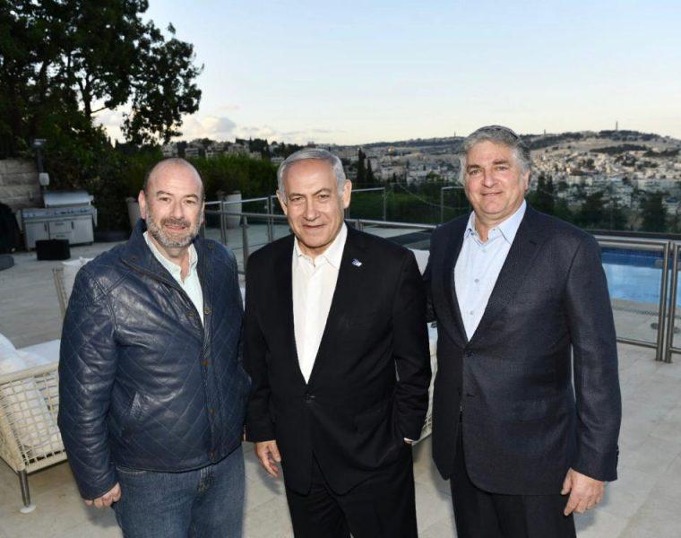 Con el empresario Americano Israelí Simón Falic y el Primer  Ministro de Israel Benjamin Netanyahu